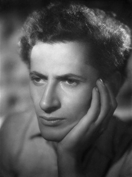 Marcel Marceau, 1946. Photo: Studio Harcourt.