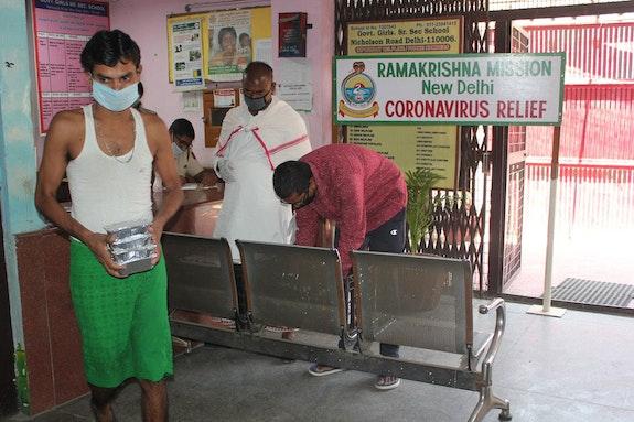 Delhi: COVID-19 pandemic relief services. Photo: Ramakrishna Math and Ramakrishna Mission Belur Math.