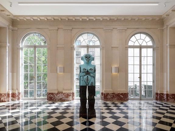 Installation view: <em>Huma Bhabha: Facing Giants</em>, 2021. Courtesy of the artist and Salon 94, New York. Photo: Dan Bradica.