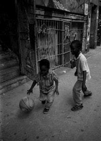 Children enrolled in a Super-8 film class taking a break. Photo by Vikki Law.