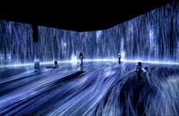 teamLab, <em>Universe of Water Particles, Transcending Boundaries</em>, 2017. Installation view in <em>Every Wall is a Door</em>, Superblue Miami, 2021. Sound: Hideaki Takahashi. © teamLab. Courtesy Pace Gallery.