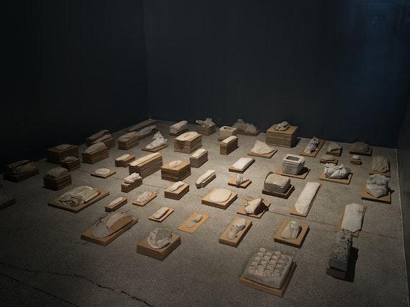 Installation view: <em>Ruth Hardinger: Transcending Fields</em>, Mana Contemporary, Jersey City, 2021. Courtesy Mana Contemporary. Photo: John Berens.