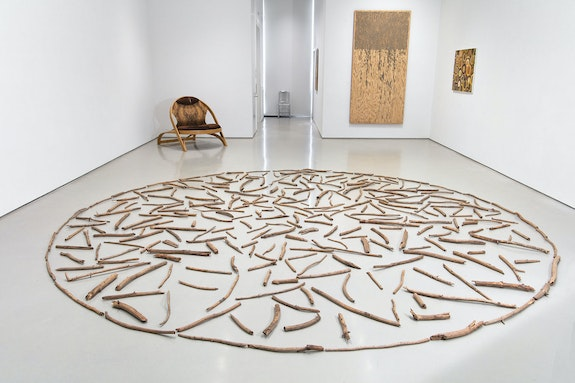Installation view: <em>Wood Works: Raw, Cut, Carved, Covered</em>, Sperone Westwater, New York, 2021. Courtesy Sperone Westwater, New York.