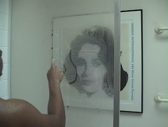 Dave McKenzie, <em>Drawing After Andy</em>, 2001. Video, color, sound; 1:22 min. Collection of the artist. Courtesy the artist.