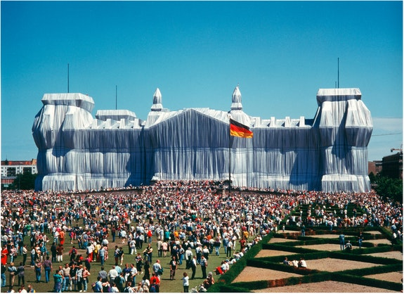Christo and Jeanne-Claude, <em>Wrapped Reichstag, Berlin</em>, 1971–95. Photo: Wolfgang Volz. © Christo and Jeanne-Claude Foundation.