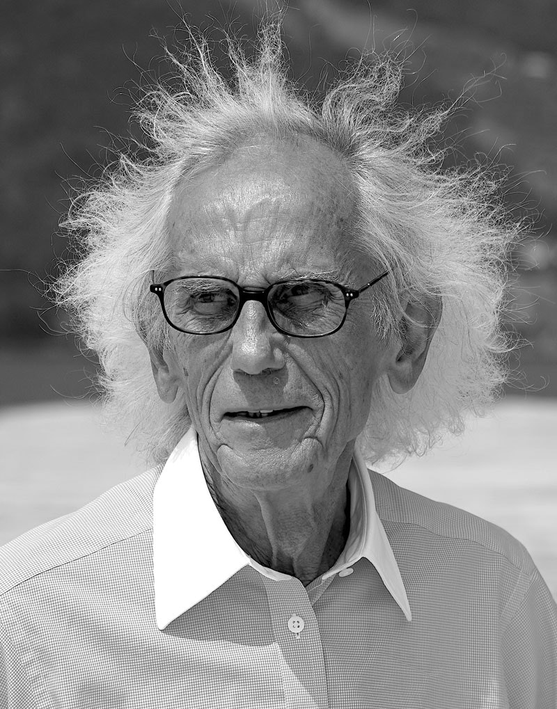 Christo. Photo: Wolfgang Volz. © Christo and Jeanne-Claude Foundation.