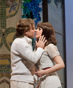 Folle amore: Gheorghiu and Alagna make sweet music in <i>La Rondine</i>.