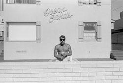"""Henry Wessel, """"Southern California"""" (1985). Gelatin silver print; 20 × 24 in.; Collection SFMOMA; © Henry Wessel."""