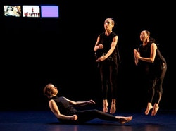 Ava Heller, Elise Knudson, and Melissa Guerrero in <em>Blocks of Continuality/Body, Image, and Algorithm.</em> Photo by Yi-Chun Wu.