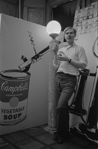Andy Warhol, Firehouse Sudio, 1962 © Alfred Statler
