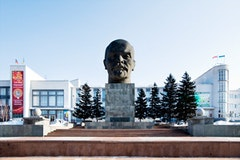 9.ULAN UDE, 1930s, reconstructed in the 1970s: The monumental guardian of the city administrative square, the 1970s Lenin head rests before the city and regional halls, reconstructed in the same decade.