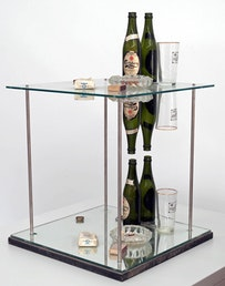 Daniel Spoerri, Triple multiplicateur d'art, Assemblage, 1972, 76 x 48 x 48 cm. Courtesy Galerie Henze & Ketterer, Wichtrach/Bern. Photograph: Claude Opprecht, Copyright: ProLitteris, Zürich.