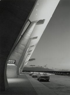 Dulles International Airport Terminal, Chantilly, Virginia, circa 1963. Photographer Balthazar Korab. © Balthazar Korab Ltd.