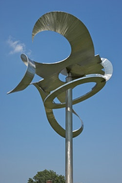 """""""Po-um (Lyric),"""" 2003 (detail). Steel, stainless steel. 16'×16' 3""""×8' 5"""". Private collection. Photograph by Jerry L. Thompson"""