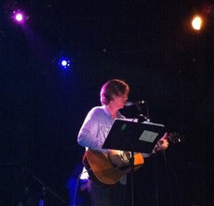 Thurston Moore solo. Photo by Aida Daneshrar