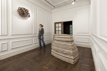 Installation view, Phyllida Barlow. <i>Rig</i>, Hauser & Wirth. London, Piccadilly, 2011. (c) Phyllida Barlow. Courtesy the artist and Hauser & Wirth. Photo: Peter Mallet.
