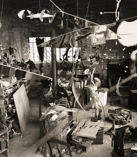 Calder's Roxbury studio, 1941. Photo credit: Herbert Matter.