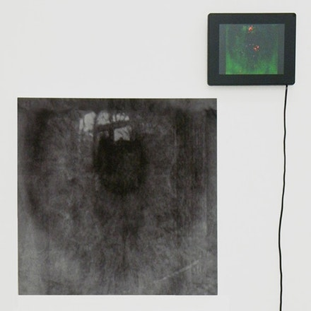"Joseph Nechvatal, ""blackeye,"" 2010. Computer-robotic assisted acrylic on canvas and screen with digital animation screen, 20 x 20"", 50 x 50 cm. Courtesy of the artist."